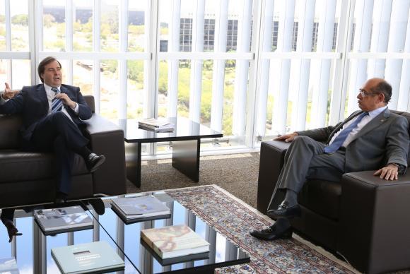 Rodrigo Maia e Gilmar Mendes discutem reforma política