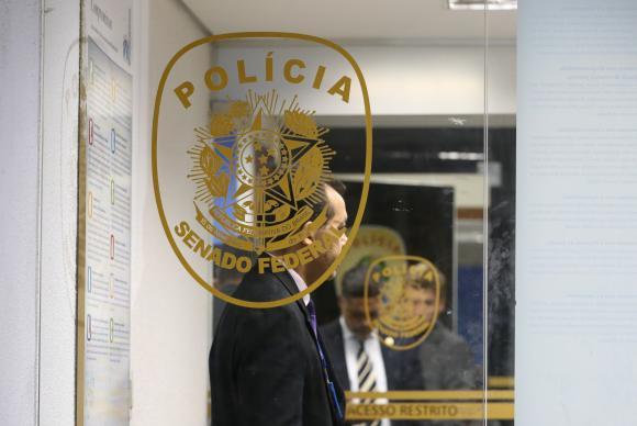 Collor nega que tenha sido beneficiado por ações da polícia legislativa