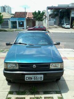 Professor tem carro financiado furtado e pede ajuda em Campo Grande