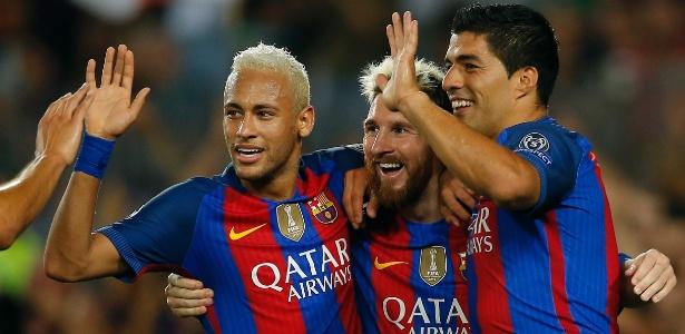 A amigos, Neymar crê estar acima de CR7 e vê Messi x Suárez no Bola de Ouro