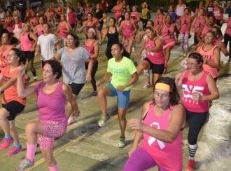 Aulão de ginástica Outubro Rosa acontece no dia 19 na Praça Elias Gadia