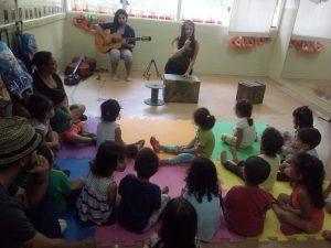 Espetáculo para bebês é apresentado na creche Zedu