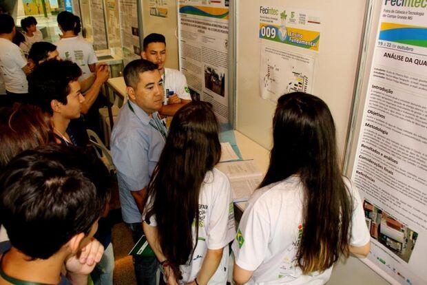 Escolas da Reme classificam-se em 1º lugar em feira de tecnologia do Instituto Federal