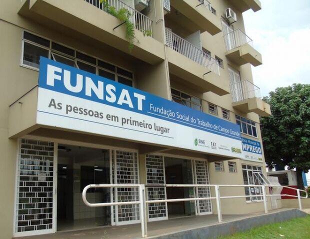 Funsat oferece vagas para repositor de mercadorias, vendedor pracista e mecânico