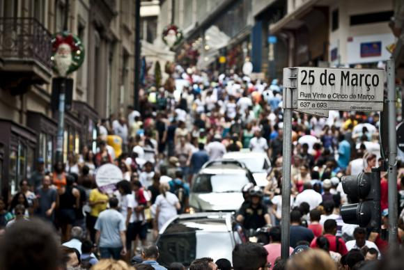 Índice de Medo do Desemprego cai de 67,9 para 61,2 pontos, diz pesquisa