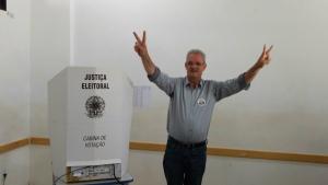 Geraldo vota e diz esperar que a maioria 'silenciosa' se manifeste nessas eleições