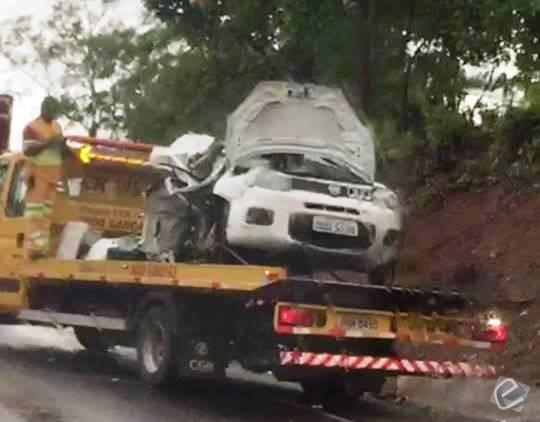 Acidente entre carro e carreta deixa duas pessoas feridas na BR-163