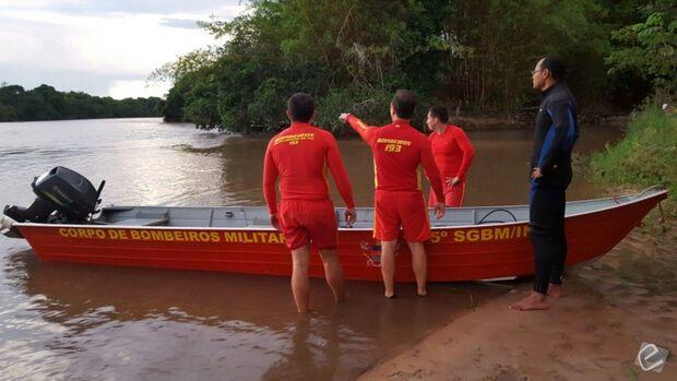 Corpo de bombeiros retoma buscas por jovem que desapareceu em rio de MS