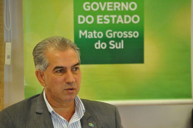 'Marquinhos tem que explicar se era funcionário ou aluno fantasma', dispara Azambuja