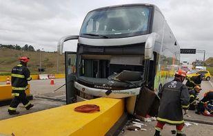 11 dos 22 feridos em acidente com ônibus de romeiros têm alta médica em SP