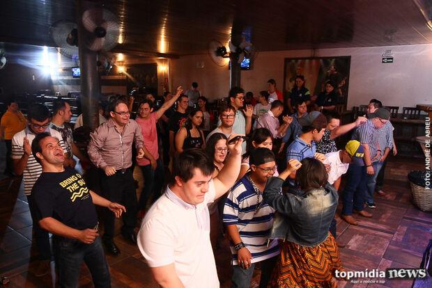 Em dia 'fora da rotina', alunos do Juliano Varela divertem-se em casa de shows