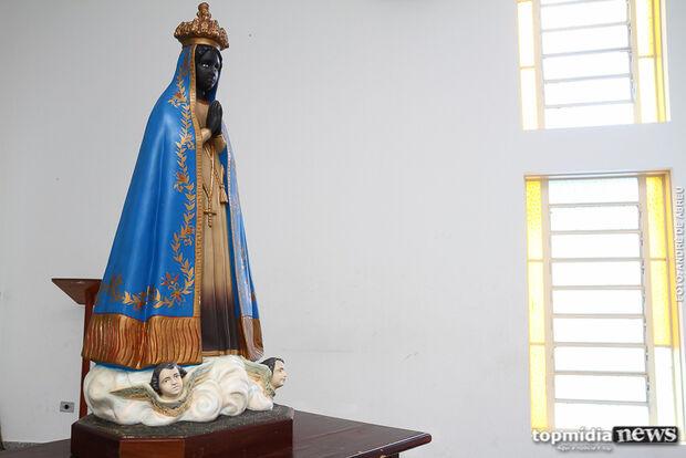 No dia da padroeira do Brasil, católicos de Campo Grande homenageiam Nossa Senhora Aparecida