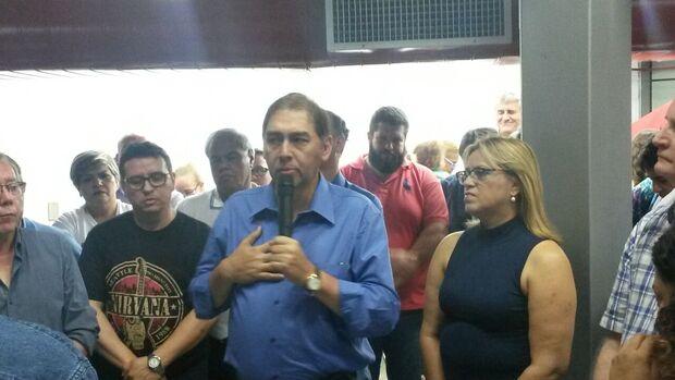 Bernal atribui derrota às pesquisas, agradece votação e confirma candidatura ao governo