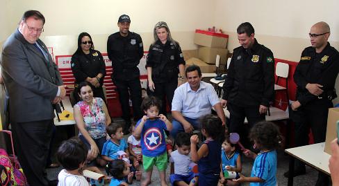 Ceinf da Capital recebe doação de brinquedos pedagógicos feitos por detentos da Máxima