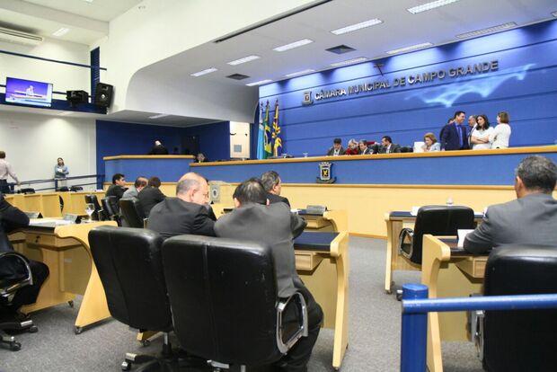 Com a semana chegando ao fim, vereadores realizam mais uma sessão relâmpago