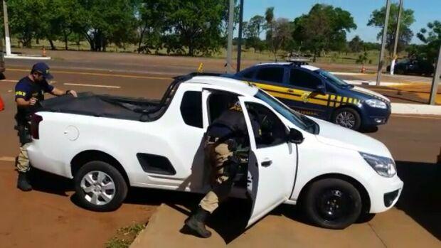Traficante se perde em rodovia federal e é preso com carro clonado e maconha