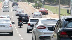 Licenciamento de veículos com placa final 0 vence nesta segunda-feira