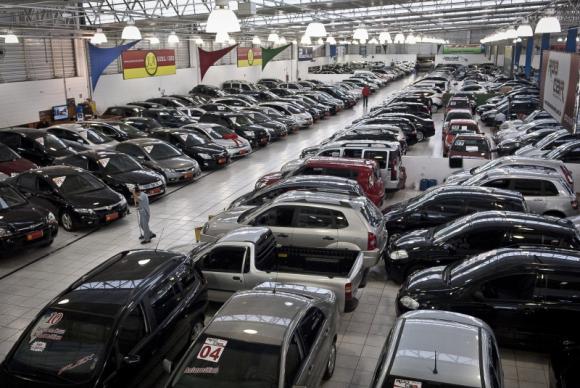 Greve dos bancários reduz crédito imobiliário, consignado e venda de carros