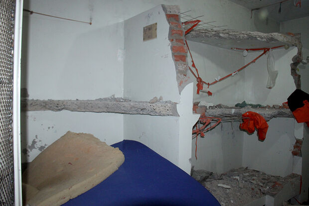 Delegacia é destruída e colchões são incendiados durante motim em MS