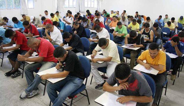 Inscrições para concurso com salários até R$ 5.9 mil encerram hoje
