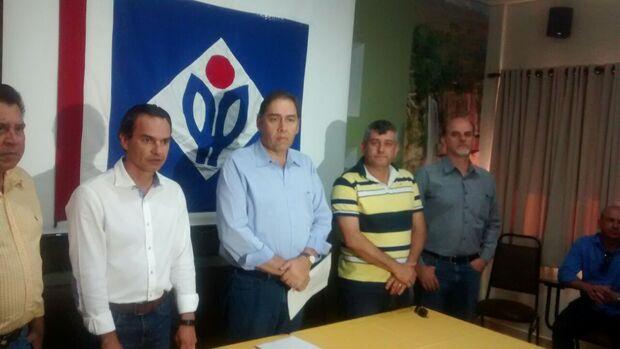 Bernal esquece discurso de 'golpe', críticas aos Trad e anuncia apoio a Marquinhos