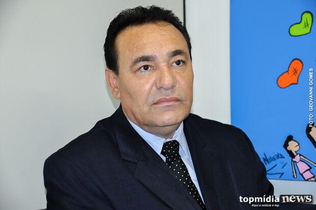 Carlão comemora vitória e diz que novo mandato será marcado por 'paz' com Executivo