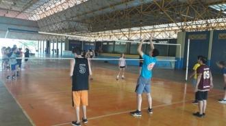 Prefeitura promove atividades de voleibol no Parque Ayrton Senna