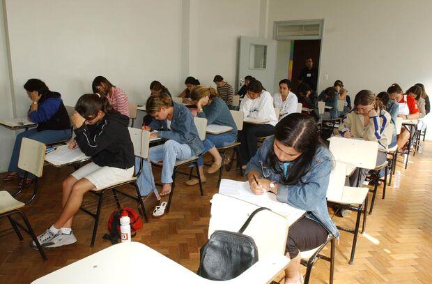Estudantes podem testar conhecimentos no simulado online Hora do Enem