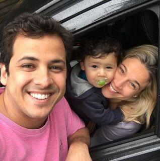 Ex-marido de Fernanda Gentil posta foto com a apresentadora e com o filho