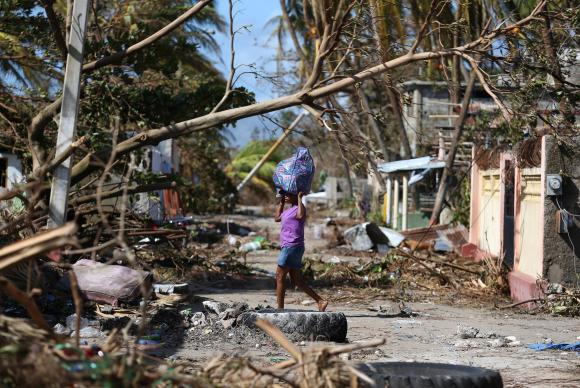 Tropas brasileiras no Haiti atuam em área mais atingida por Furacão Matthew