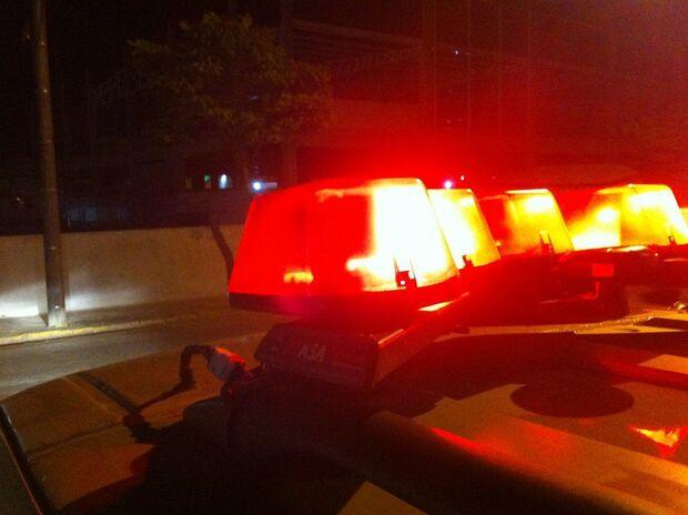 Mulher reage a roubo, mas ladrão em moto consegue fugir no Guanandi