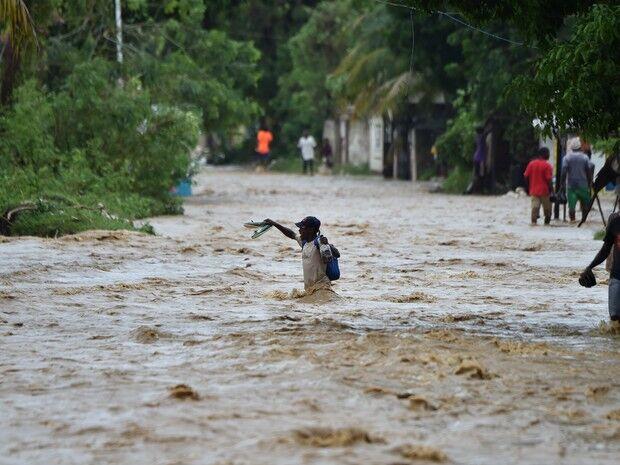 Número de vítimas do Furacão Matthew no Caribe pode passar de 100