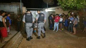 Homem é executado com quatro tiros em frente de casa na Vila Cachoeirinha