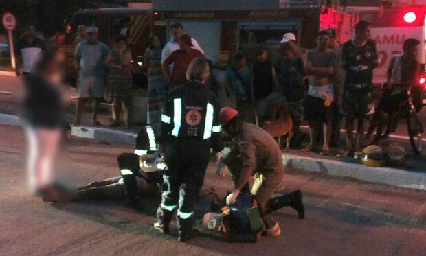 Casal morre após motocicleta bater contra meio-fio em avenida de Corumbá