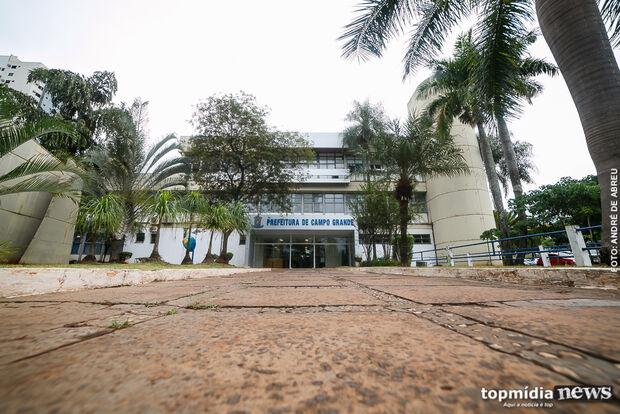 Orçamento 2017 prevê cortes na educação e mais dinheiro para previdência na Capital