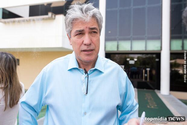 Alex desconversa sobre aliança com tucanos e diz que vai reunir PT para definir apoio