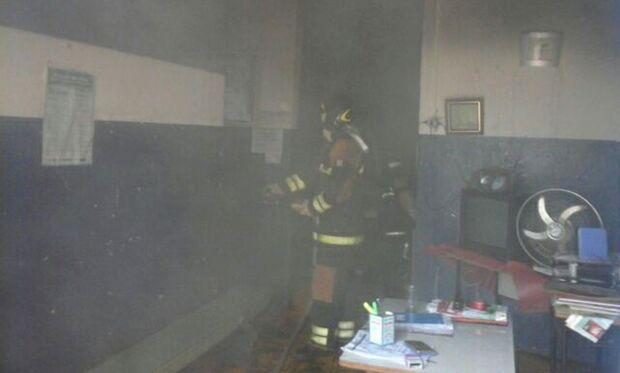 Incêndio destroi parcialmente creche onde estavam 33 crianças em Ladário