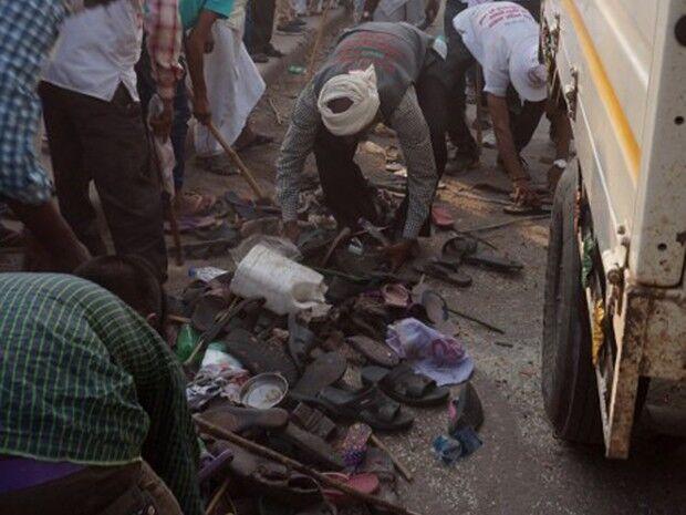 Pessoas morrem após ser pisoteadas em festa na Índia