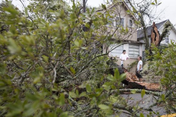 Furacão Matthew é rebaixado a ciclone pós-tropical
