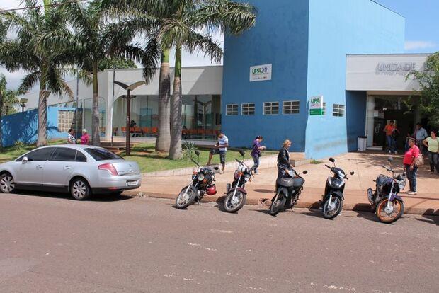 Funcionários que realizam a limpeza em órgãos da prefeitura denunciam atrasos nos salários