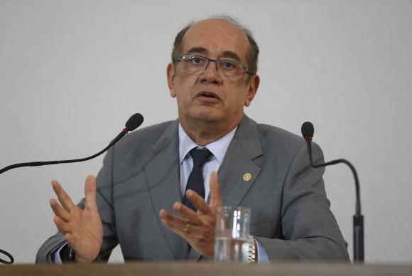 Presidente do TSE diz que eleitores podem ir votar sem medo neste domingo