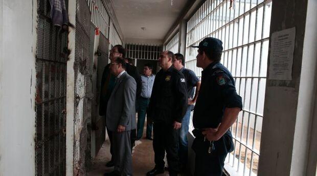 Secretário de Segurança visita Delegacia da Polícia Civil de Chapadão do Sul