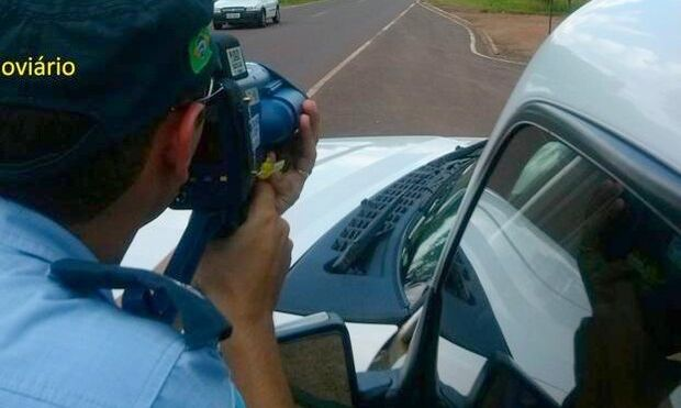 Polícia Rodoviária Estadual realiza operação para reduzir acidentes no feriado