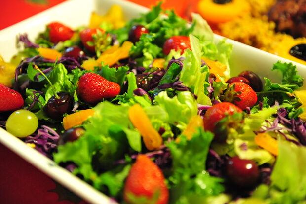 Oficina culinária do Sesc ensina a fazer saladas coloridas e leves em novembro