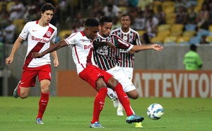 Flu solicita troca e espera confirmação da CBF para pegar o Vitória no Maraca
