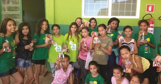 Brincadeiras e jogos animaram a Semana da Criança no Rede Solidária