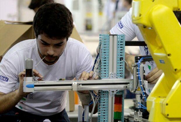 Senai abre 900 vagas em 13 cursos profissionalizantes gratuitos