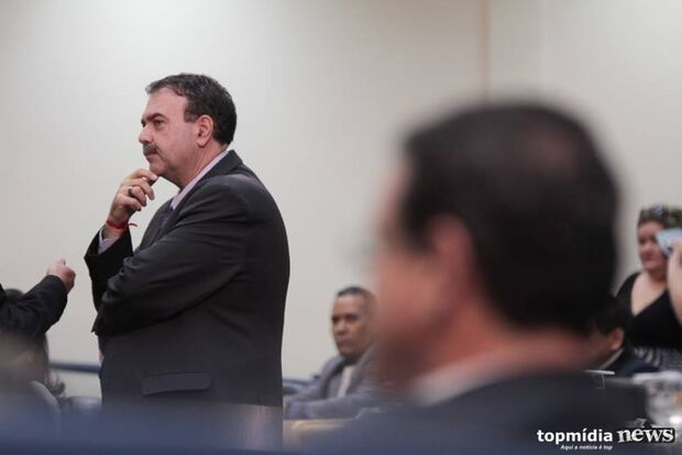 Condenado a perda de direitos políticos, Siufi deve permanecer na Câmara
