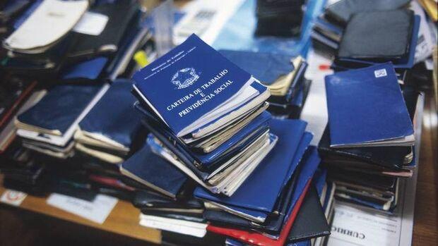 Agência de Empregos oferece vagas para operador de empilhadeira, office-boy e atendente de lanchonet