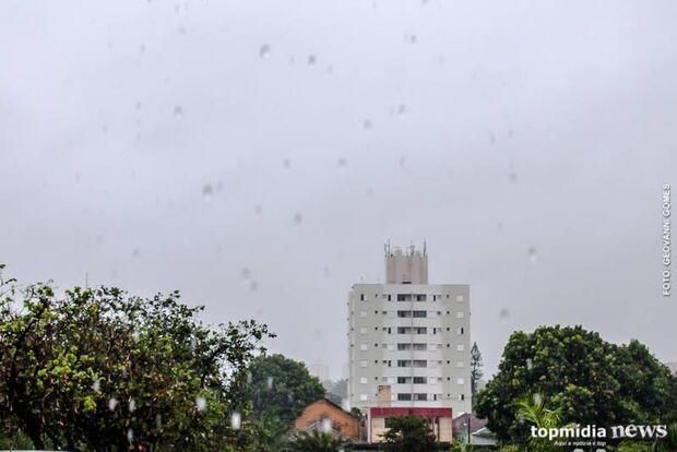 Previsão alerta para mais chuva nesta segunda em Campo Grande